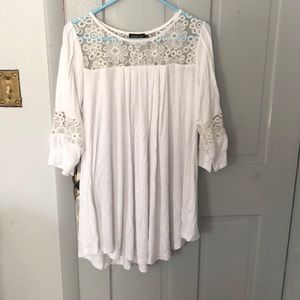 3/4 length lace inset tunic